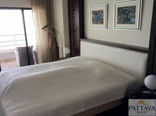 Four bedroom  condo for Sale in Na Jomtien