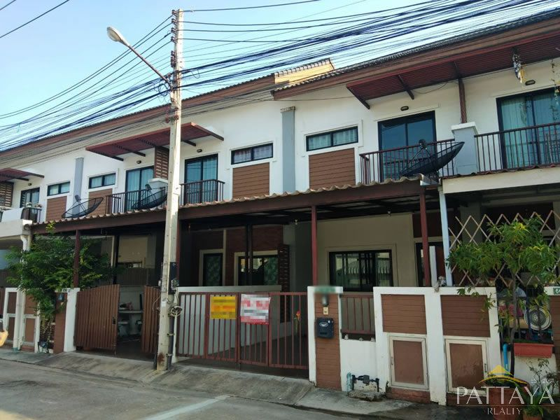 Two bedroom  townhouse for Sale and Rent in East Pattaya
