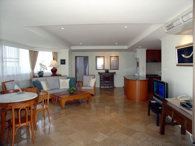 Three bedroom  condo for Rent in Jomtien