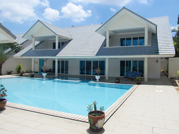 Five bedroom  house for Sale and Rent in East Jomtien - Huay Yai