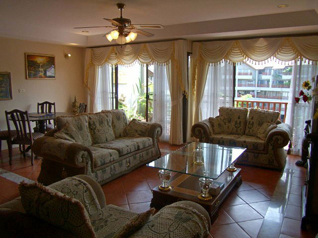 Two bedroom Luxury Penthouse  condo for Rent in Jomtien