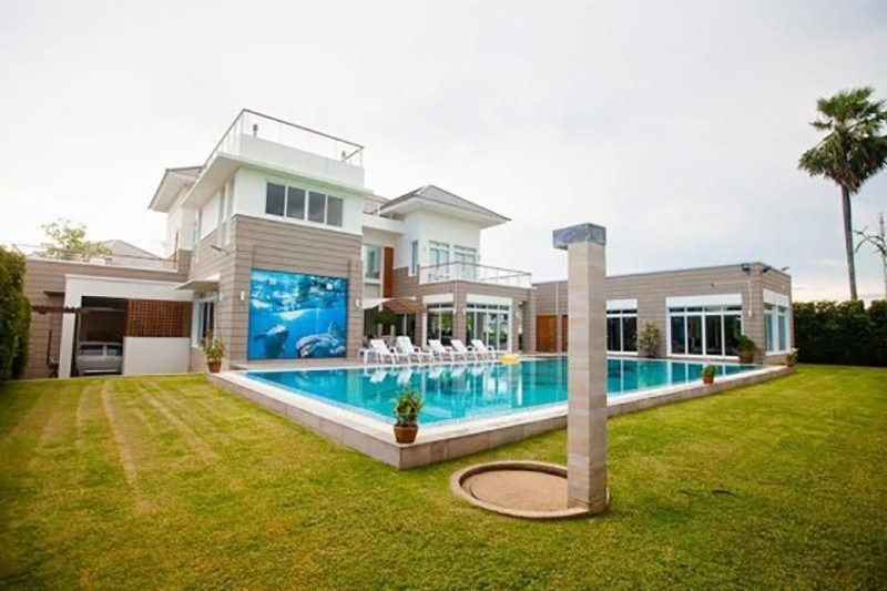 Five bedroom  house for Sale in Bang Saray