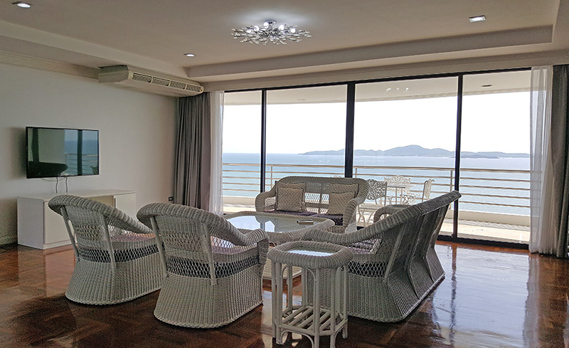 Four bedroom  condo for Rent in Pratumnak