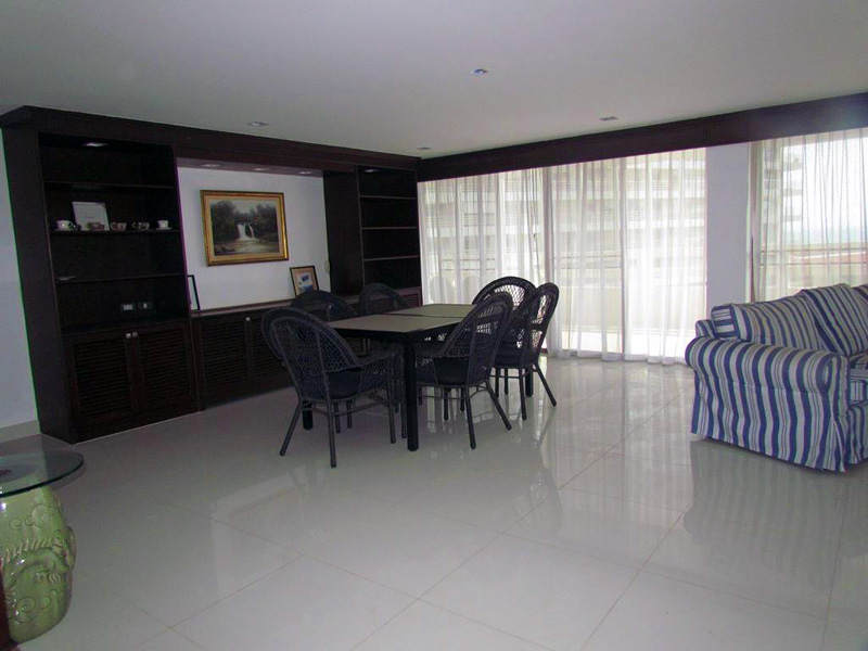Three bedroom  condo for Rent in Jomtien