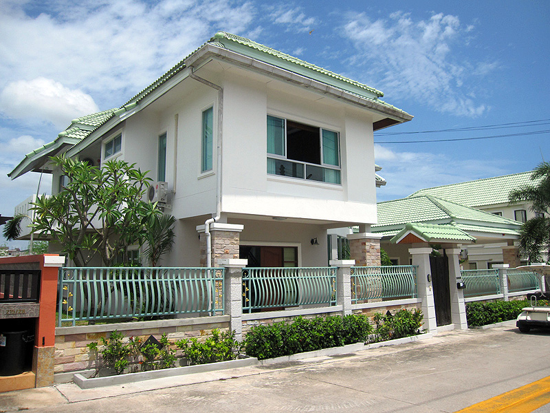 Four bedroom  house for Rent in East Pattaya
