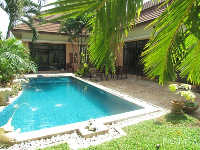 Beautiful Tropical Style Villa in East Pattaya