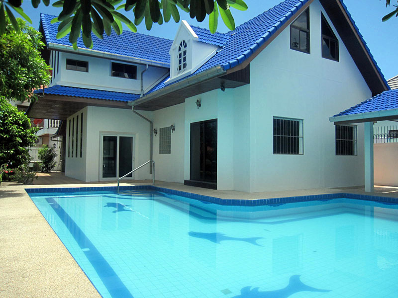 Six bedroom  house for Sale in East Jomtien - Huay Yai