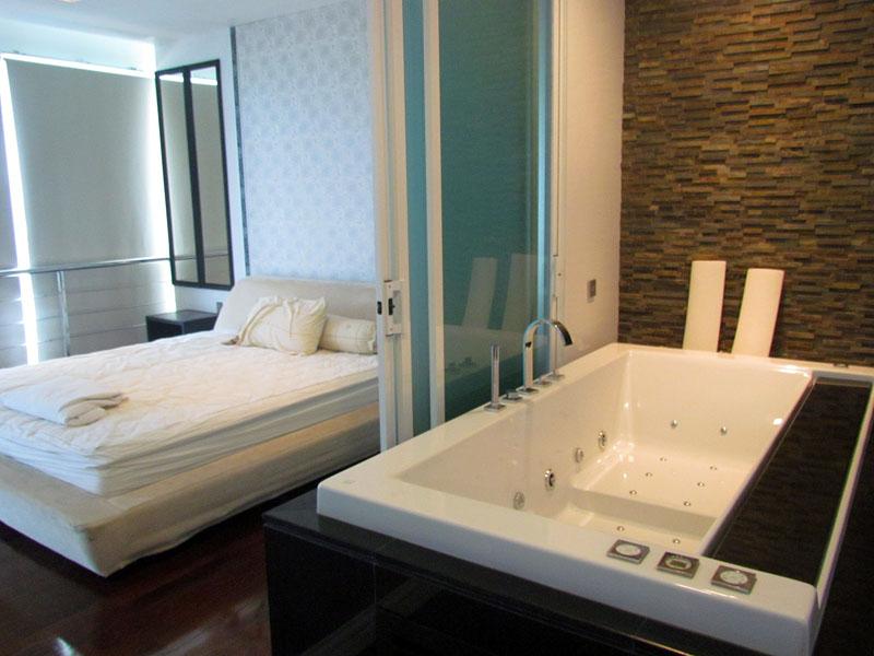 Two bedroom  condo for Rent in Naklua