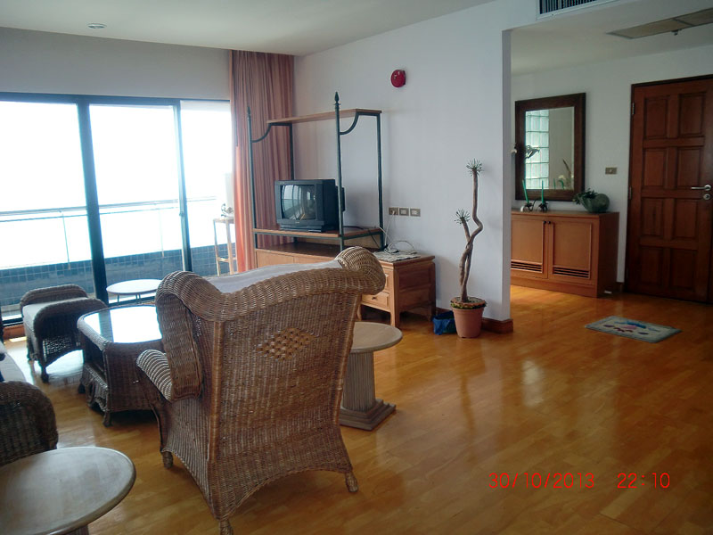 Three bedroom  condo for Sale in Pratumnak