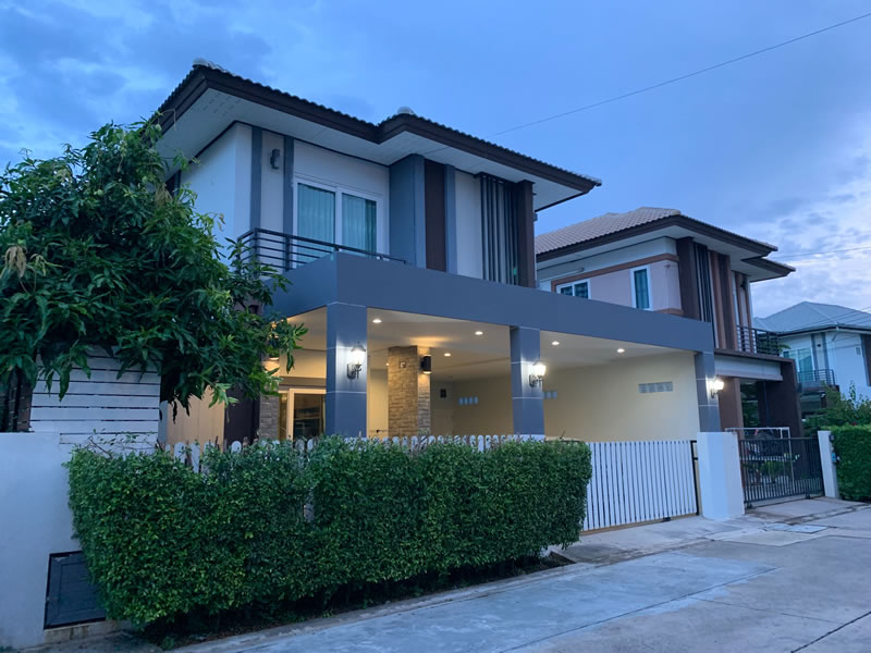 Three bedroom  house for Sale in East Pattaya