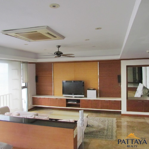 Four bedroom  condo for Rent in Jomtien