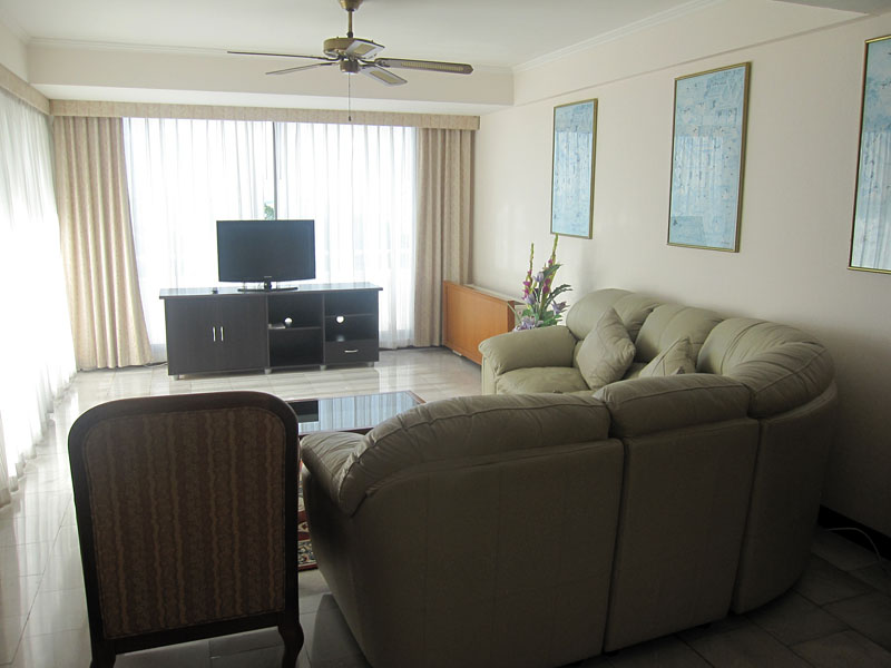 Three bedroom  condo for Rent in South Pattaya