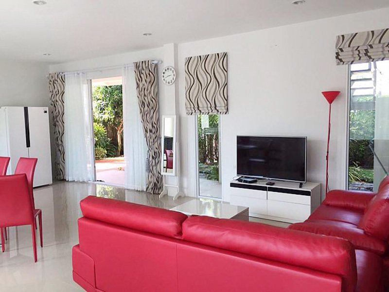 Four bedroom  house for Rent in Na Jomtien