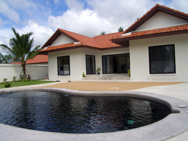 Two bedroom  house for Rent in Mabprachan - Pong