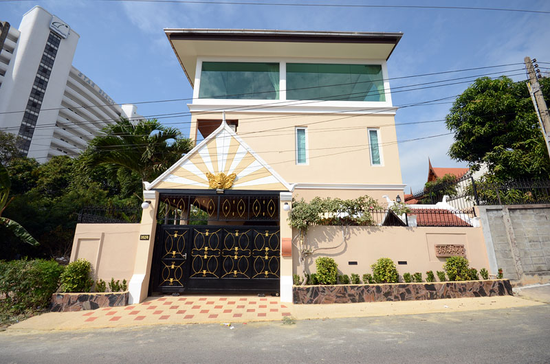 Four bedroom  house for Sale and Rent in Pratumnak
