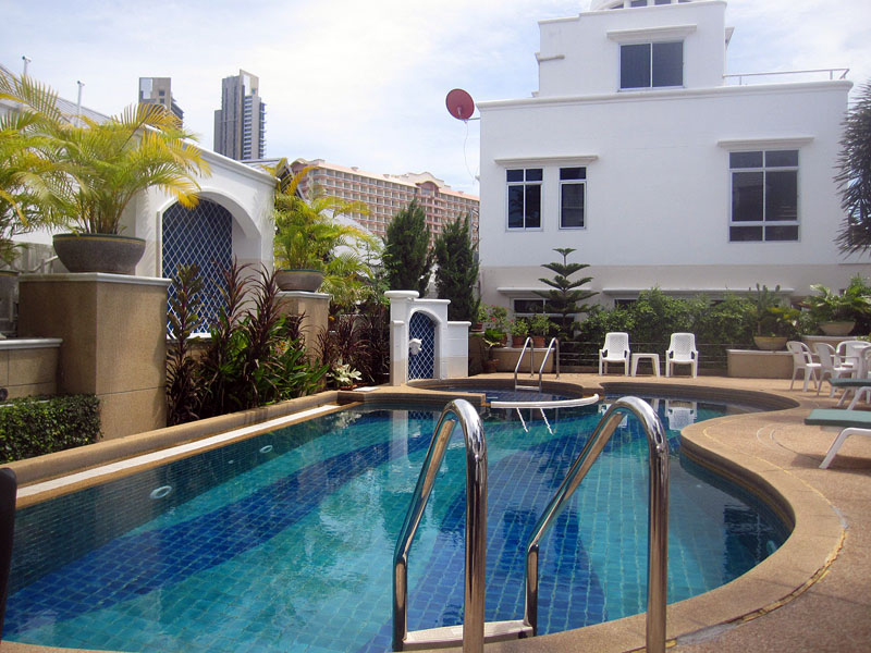 Three bedroom  townhouse for Rent in Wong Amat