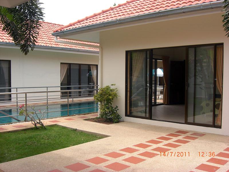 Four bedroom  house for Rent in Pratumnak