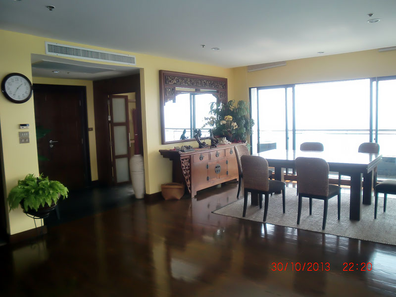 Three bedroom  condo for Rent in Pratumnak