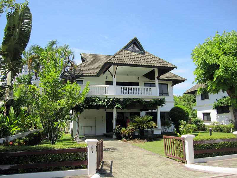 Four bedroom  house for Rent in Baan Amphur