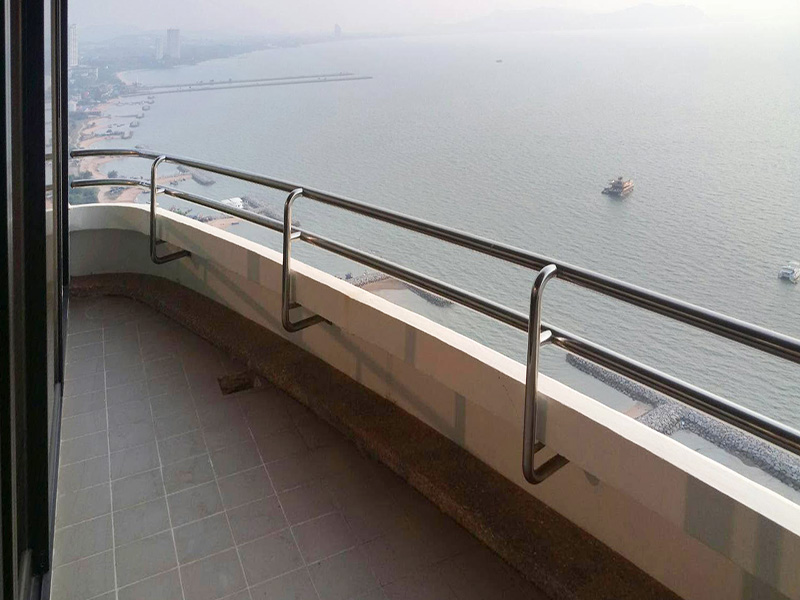 Three bedroom  condo for Sale in Na Jomtien