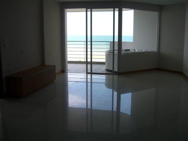 Two bedroom  condo for Sale in Na Jomtien