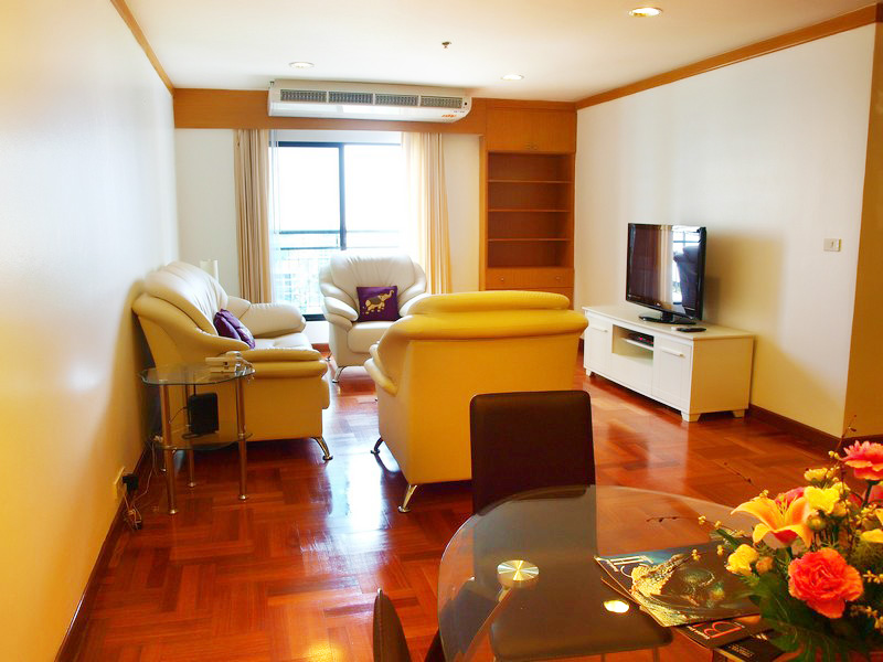 Three bedroom  condo for Sale in Bangkok