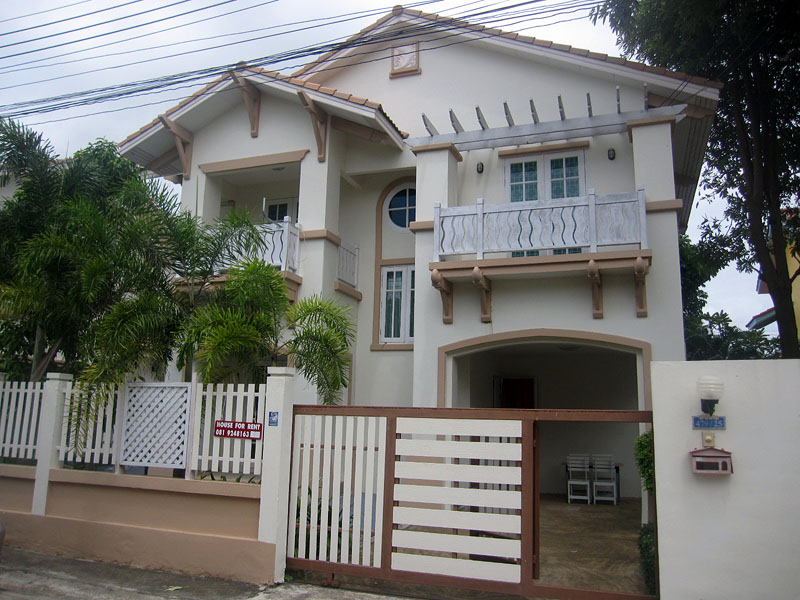 Three bedroom  house for Rent in Jomtien