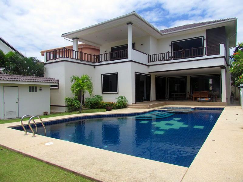Five bedroom  house for Sale in Jomtien