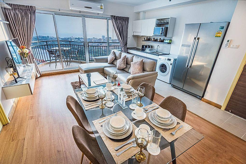 2 Bedrooms Condo on High Floor for Sale