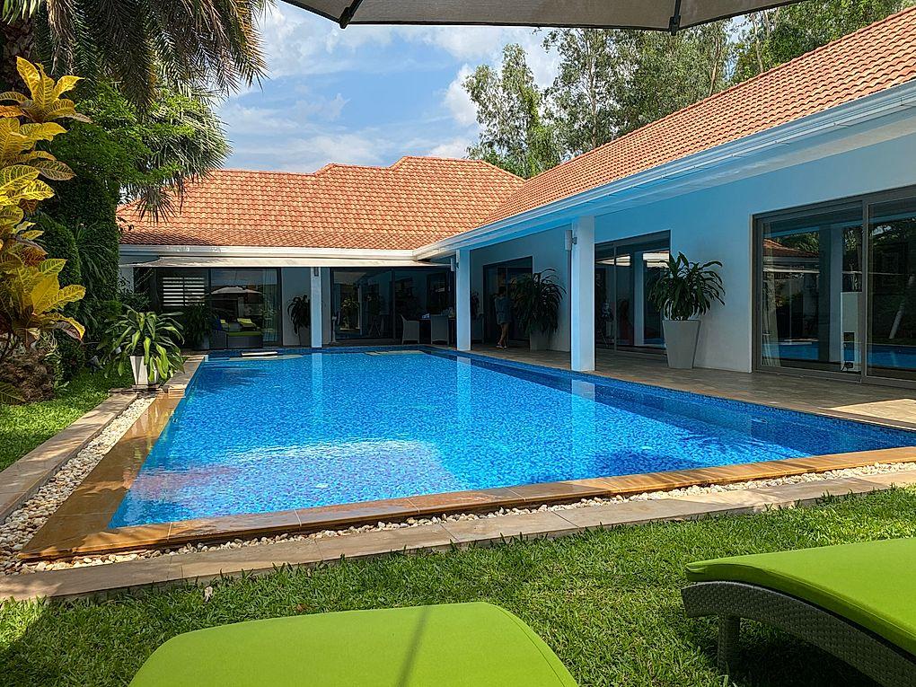Pool Villa for Sale close to Mabprachan Lake