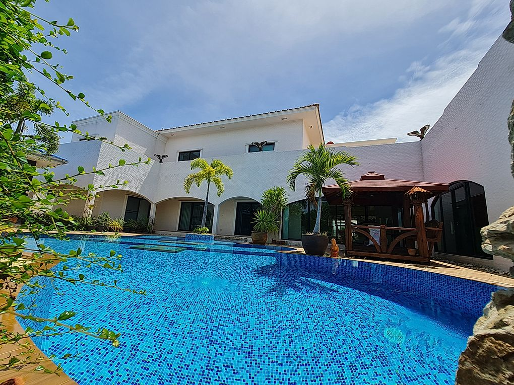 2 Story Pool Villa in Mabprachan for Sale