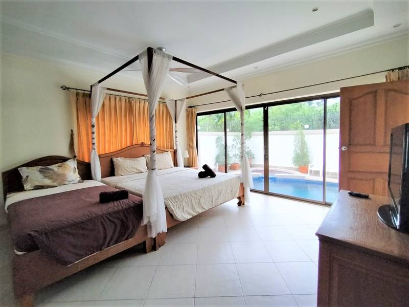 Five bedroom  house for Rent in Jomtien