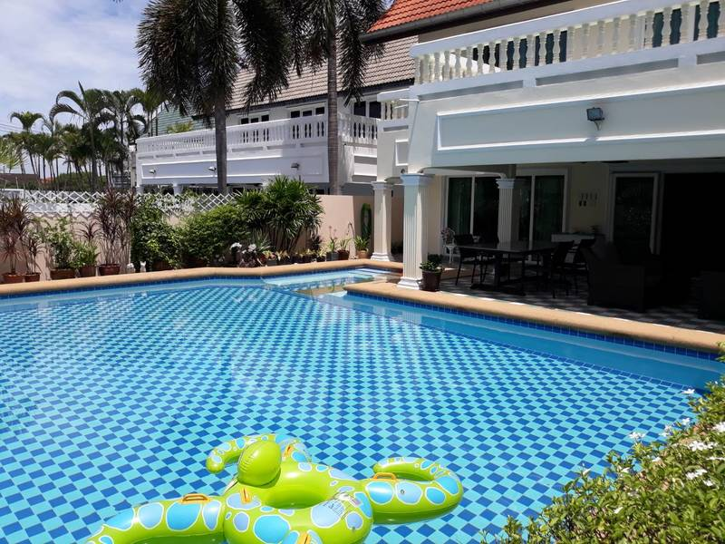 House For Sale in North Pattaya near Highway 7