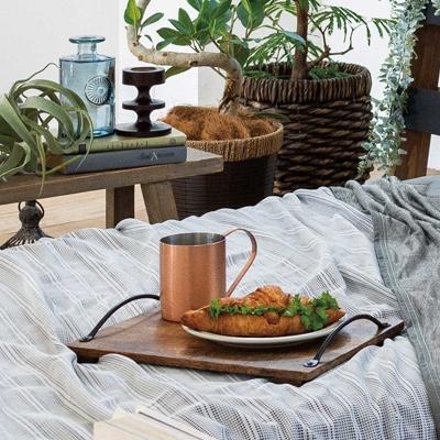 ベッドの上の朝食