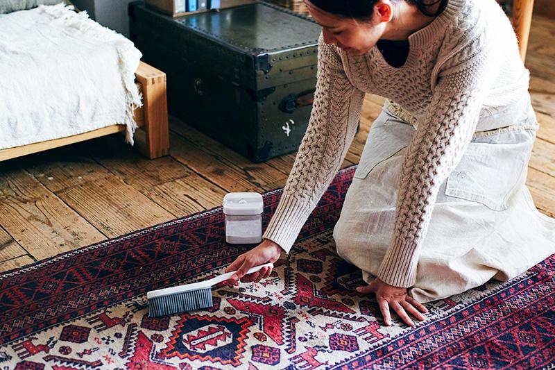 キリム柄のカーペットの掃除
