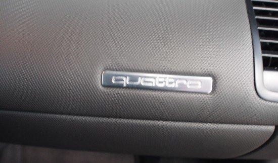 Audi R8 V8 ROOD CARBONPACK CARBON REMMEN SPORTUITLAAT