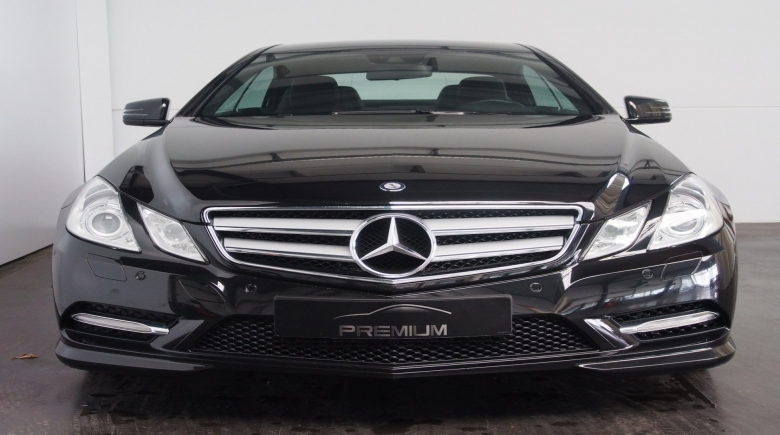 Mercedes E 220 CDI BleuEFFICIANCY COUPE NOIR