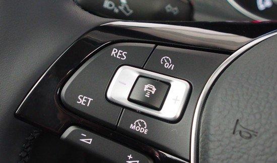 Volkswagen Golf (alle) 1.4 TSI 125 R-LINE NAVI ADAPTIVE CRUISE CLIMATRONIC SUNROOF SPORTZETELS