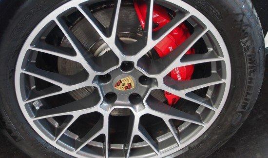 Porsche Macan MACAN TURBO WIT 400PK