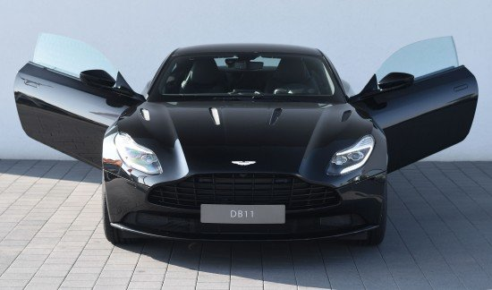 Aston Martin DB11 V12 COUPE ONYX BLACK 608PK