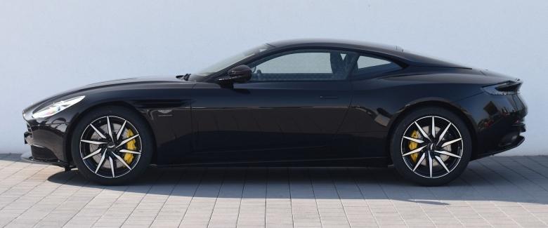 Aston Martin DB11 V12 COUPE NOIR