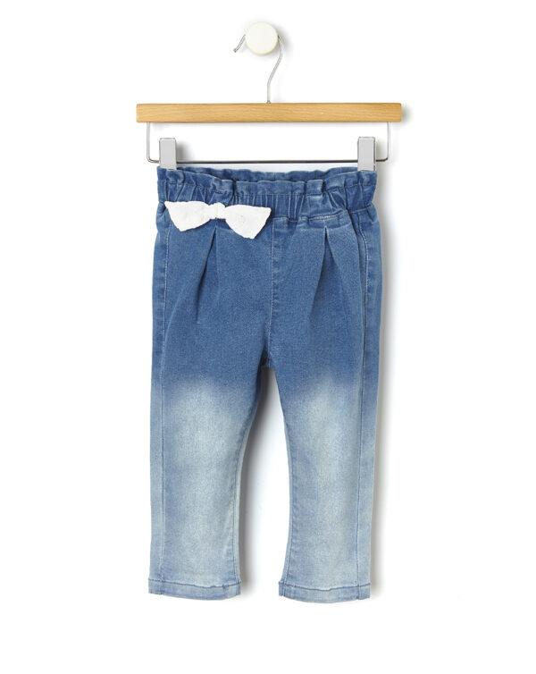 Pantalón de denim delavé