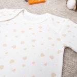Κορμάκι Κοντομάνικο Βαμβακερό Κρεμ με Καρδούλες για Κορίτσι