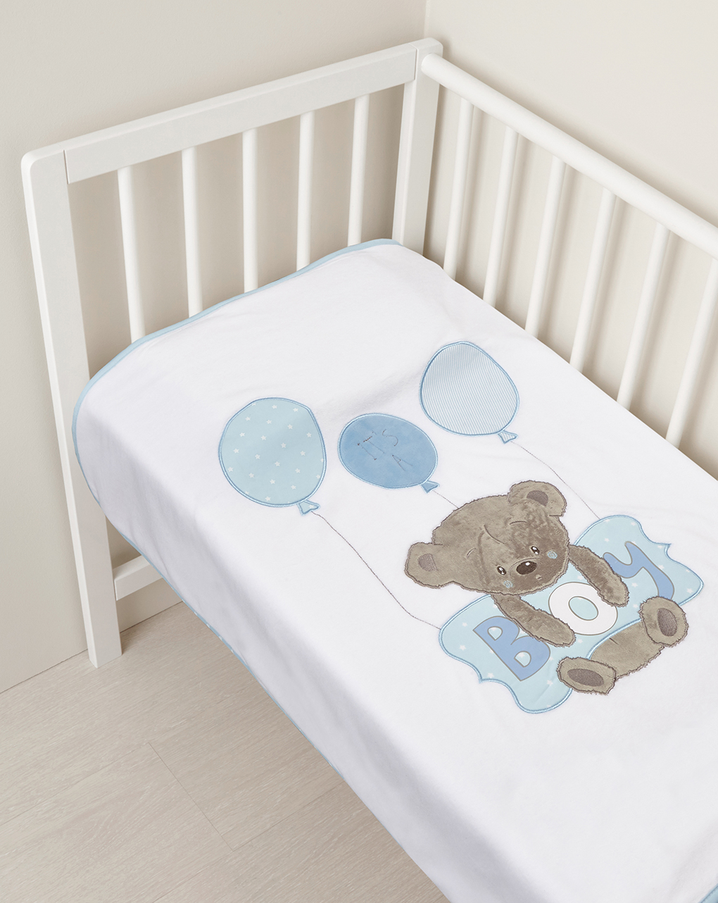 Culla/carrozzina - coperta in ciniglia con orsetto e cuscino azzurro con scritta boy - Prénatal