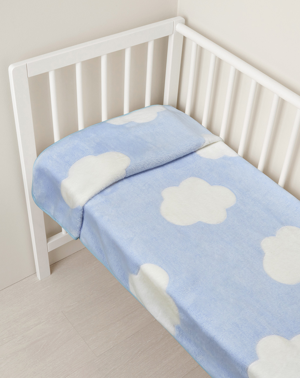 Culla/carrozzina - coperta per culla in finta pelliccetta azzurra con nuvole - Prénatal