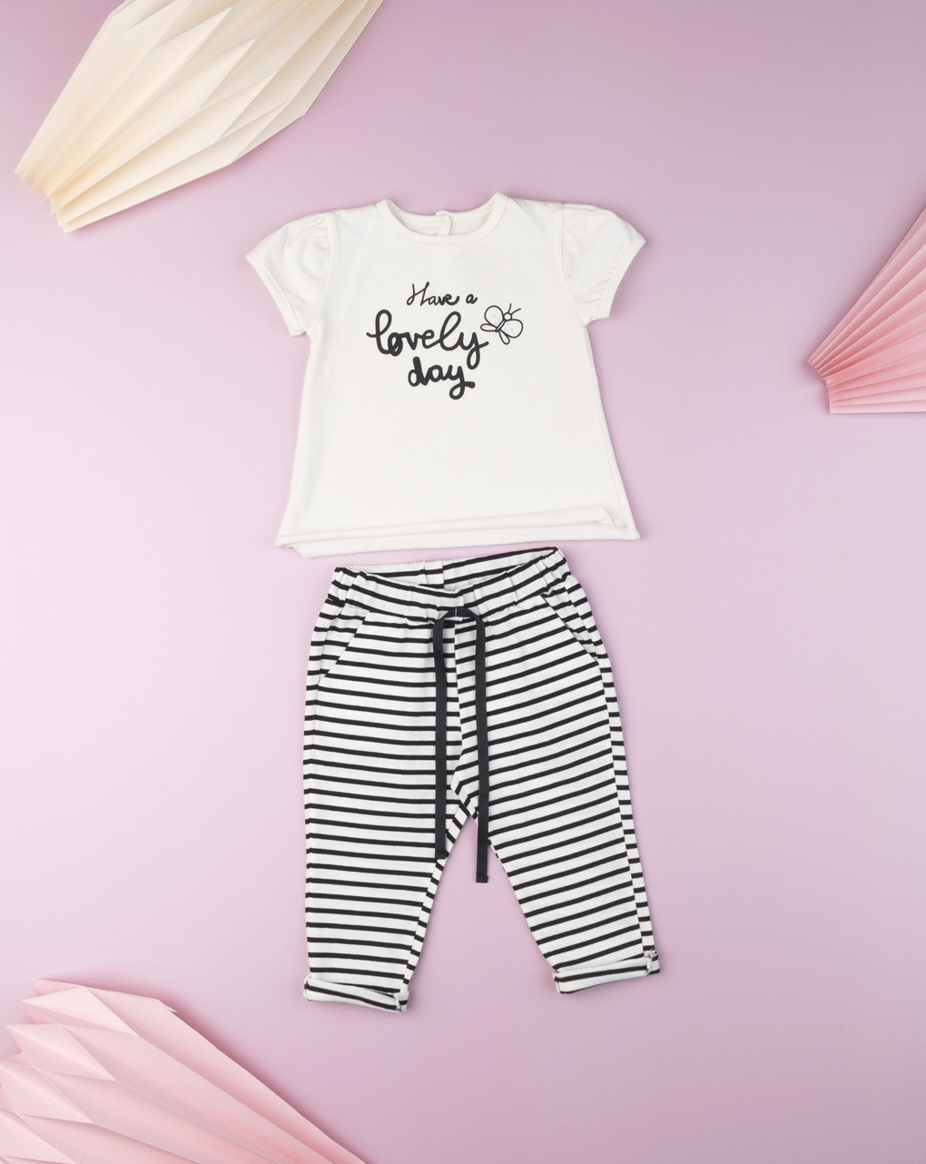 """T-shirt baby girl """"have a lovely day"""" - Prénatal"""