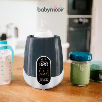 Consigli su come riscaldare il latte e gli alimenti per bambini, preservando il più possibile i loro benefici