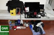 Usava aparafusadora para assaltar casas e foi detido em Guimarães; Cúmplices escaparam