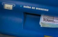 Mulher entrega 400 euros sob ameaça de arma branca