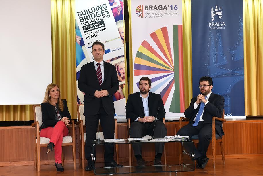 Braga: Jovens de Portugal e Espanha definem estratégias para promoção da inclusão social